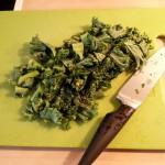 Gefüllte Paprikaschote (vegan): Grünkohl in kleine Stückchen schneiden